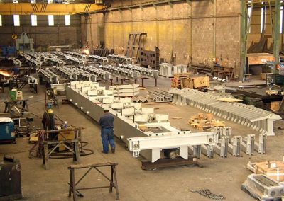 Transfer device and roller tables